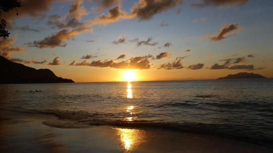 Coral Strand Smart Choice Hotel Seychelles: Enjoying sunset on hotel beach