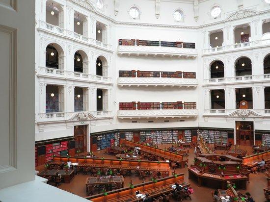 Biblioteca Estatal de Victoria: vista dei piani della sala lettura
