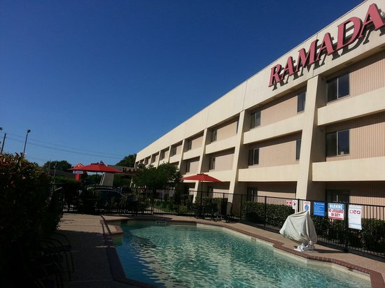 Ramada Limited Plano: Enjoy outdoor pool at Ramada Plano