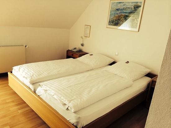 Hotel Restaurant Clemens-August: bed