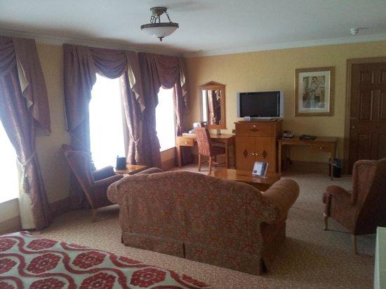The Johnstown Estate Hotel: Room 240