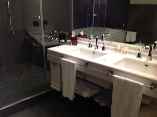 Firenze Number Nine Wellness Hotel: banheiro confortavel
