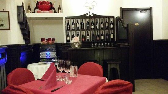 Piccadilly Bar: Innenausstattung