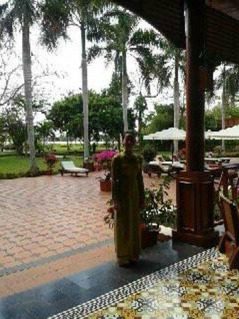 Victoria Can Tho Resort: Hostess di accoglienza