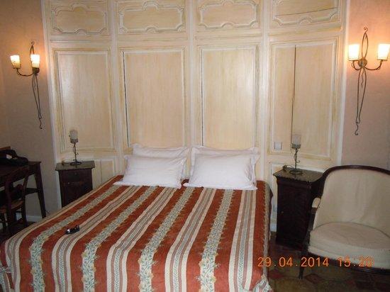 """Hôtel Auberge de la Beursaudière : Chambre """"L'écrivain"""""""