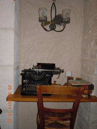 Hotel Auberge de la Beursaudiere: Des objets anciens