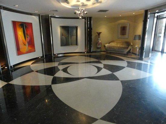El Pardo DoubleTree by Hilton Hotel: Lobby