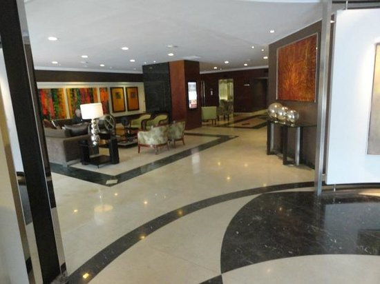 El Pardo DoubleTree by Hilton Hotel: Lobby area