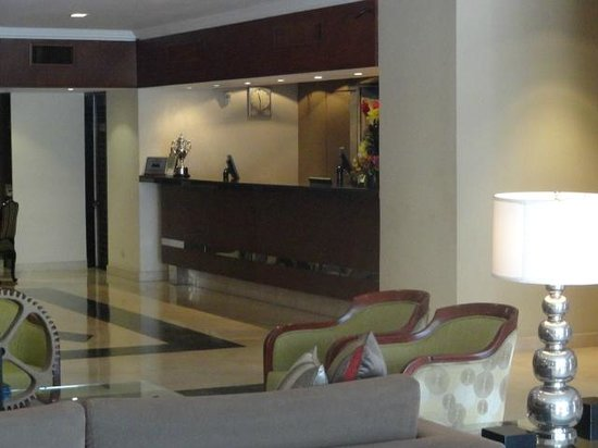 El Pardo DoubleTree by Hilton Hotel : Lobby