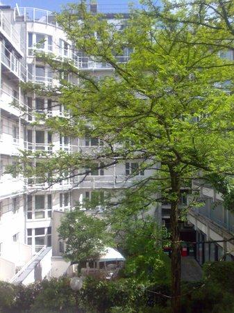 Mercure Hotel München City Center: Garden View