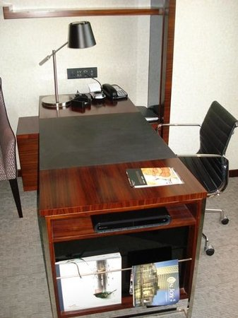 InterContinental Foshan : desk