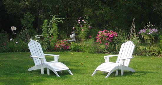 Evergreen Gate Bed and Breakfast: Enjoy the tranquil surroundings