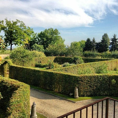 Le 5 Frecce Food & Guest Farm : View on the French garden