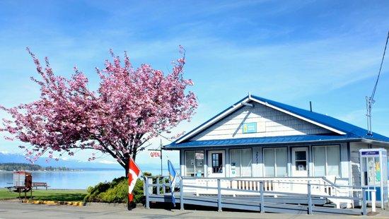 Qualicum Beach Visitor Information Centre: Qualicum Beach