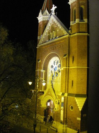Hotel Palazzo Zichy: View from our room - Jesuit church at night