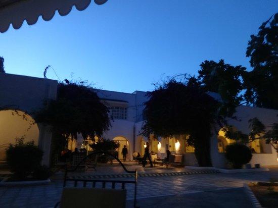 Hotel Movie Gate: vue en soirée