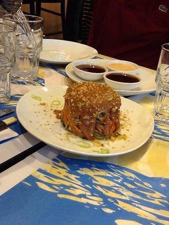 Giraffe Noodle Bar : thai salad