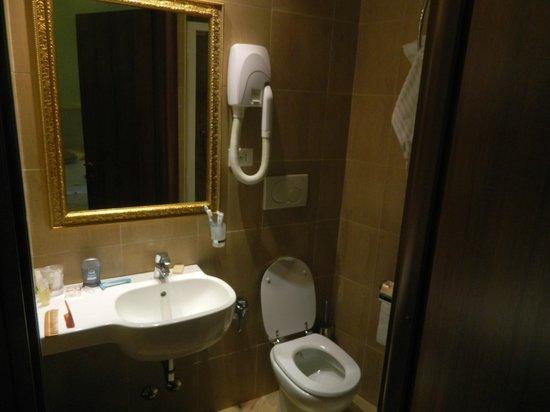 Locanda Navona: ванная комната