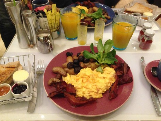 Le Parker Meridien New York: Breakfast - scrambled eggs with potatoes