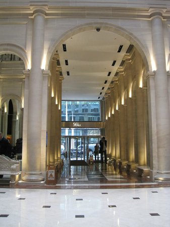 Le Parker Meridien New York: The main hall