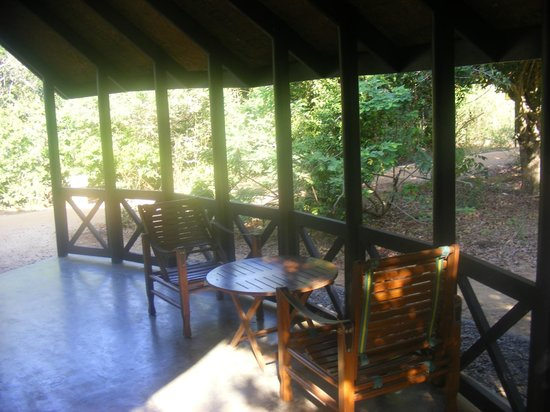 Cinnamon Wild Yala: Our outside seating area