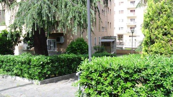 B&B Oro 283: Il giardino.