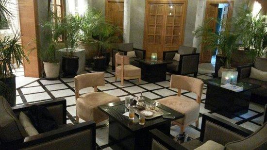 Riad l'Etoile d'Orient: Área comum