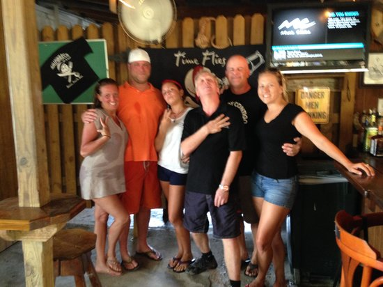 Shipwreck Bar & Grill: The amazing crew and us!!
