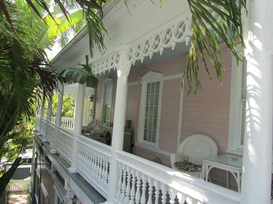 Ambrosia Key West Tropical Lodging: veranda