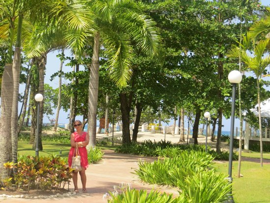 VH Gran Ventana Beach Resort: Walk to the beach