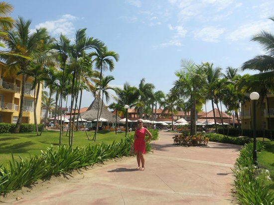 VH Gran Ventana Beach Resort: View of the pool area