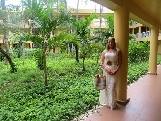 VH Gran Ventana Beach Resort: Beautiful garden in the middle of the hotel buildings