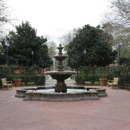 Disney's All-Star Music Resort: fonte por onde passavamos para chegar em nosso bloco