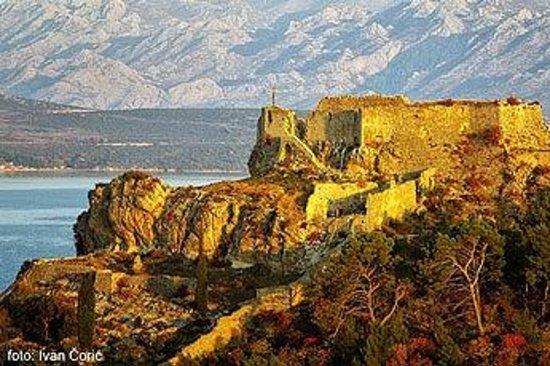 Novigrad, Kroasia: Castel Fortica