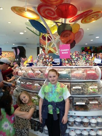 Dylan's Candy Bar: mother daughter day 4/2014