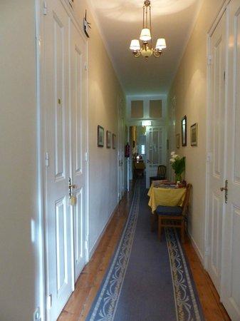 Hotel Sintra Jardim: couloir