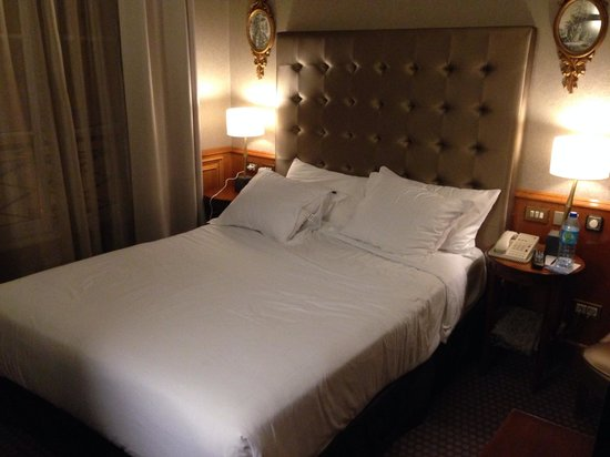 Meliá Vendome - Paris : Very nice queen size bed