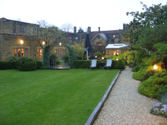 The Manor House Hotel: Hotel Gardens