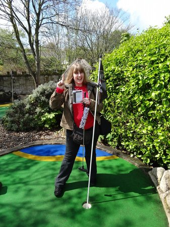 Pirate Adventure Mini Golf: Golf hole in 1