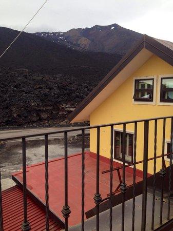Hotel Corsaro: Вид на вулкан с нашей террасы