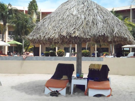 Sunscape Curacao Resort Spa & Casino: Beach umbrella