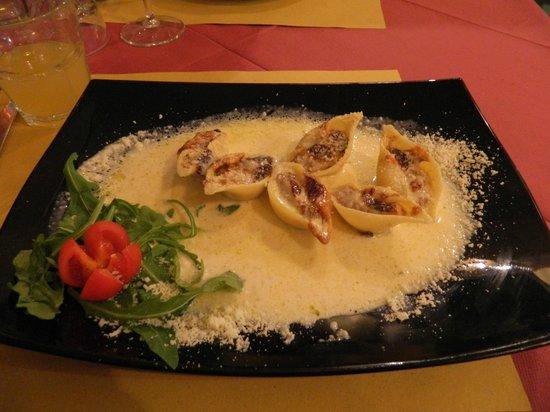 Serafini Alla Pace: одно из фирменных блюд