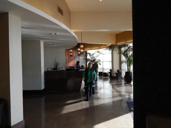 Hotel Angeleno : LOBBY