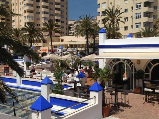 Puerto Deportivo de Estepona: Plenty of places to have a drink or a meal