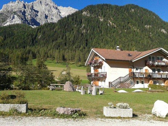 BAD MOOS - Dolomites Spa Resort : veduta di fronte all'hotel