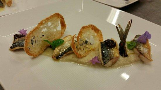 Ostaria da Mauro : Sgombro ...melanzane viola e pane croccante