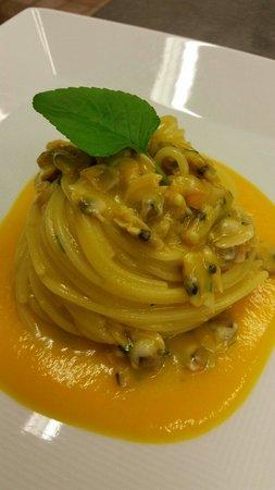 Ostaria da Mauro : Spaghettoro Verrigni peperoni e Telline
