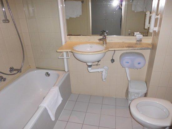 Royal Astrid Hotel: la salle de bain 3 étoiles belge???