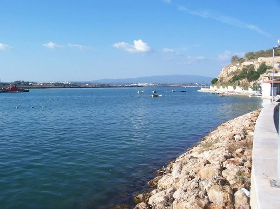 Alvor Boardwalk: Not far from the hills leading to Monchique