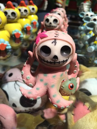 Museum of The Weird : One of the cool ceramic creatures for sale